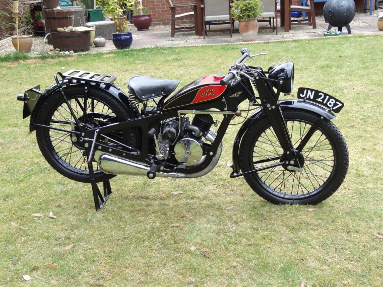Antique 1932 Coventry eagles Silent Super